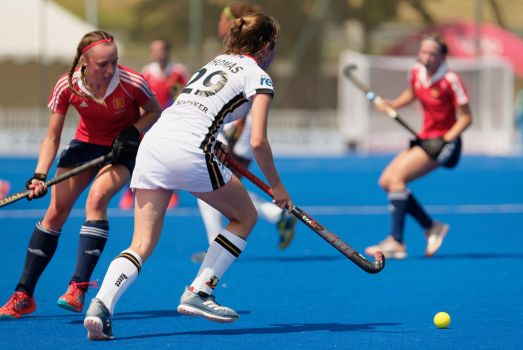 English U18 girls suffer one defeat after another by Docta24