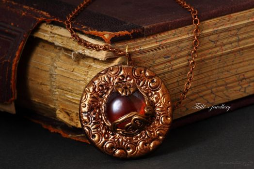 Amulet of Amber by Tuile-jewellery