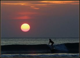 Sunset Surfing by QNetX