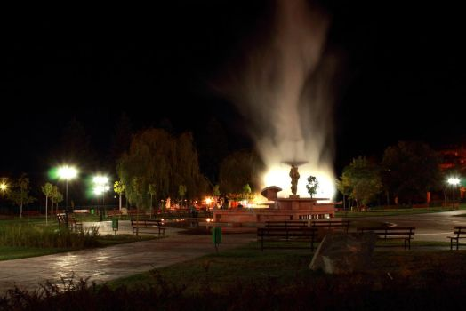 Midnight Geyser by stesim