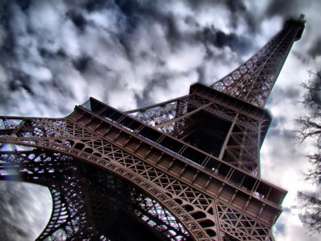 Eiffel Tower, Paris by semeniuc