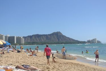 On the beach at Waikiki by timtam4