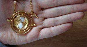 Time-Turner source photo by ayerf
