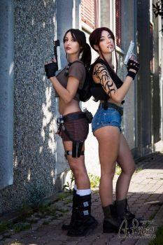 Epic crossover: Lara x Revy by TiddeInDisguise