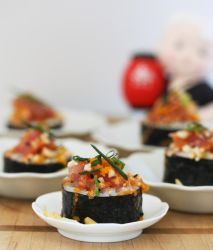 Homemade Spicy Tuna Sushi by theresahelmer