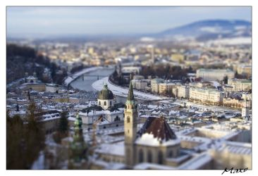Playing With Salzburg by Makkusa