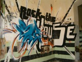 Rock the House by entro1