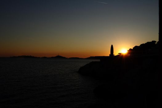 Sunset Marseille by chyky