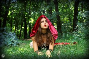 Red Ridding Hood by Enolla