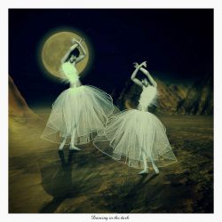 Dancing in the dark by Flore-stock