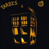 TARDIS Pumpkin by LucarioGirl4Ever