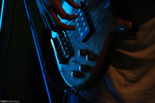 Bass by angelelectrico