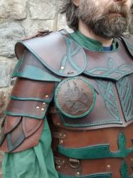 Armor of the white wolf: shoulder by baehrserker