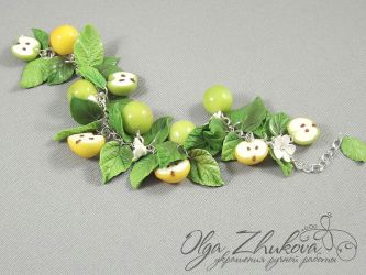 bracelet with apples by polyflowers