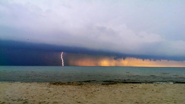 Lighting @ Indiana Dunes  by SnoopiHaruki