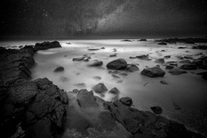 Night at the beach by carlosthe