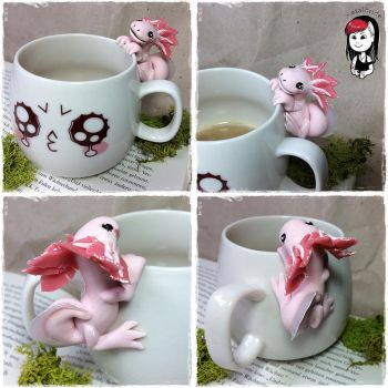 Axolotl cup holder from Polymer clay - Commission by oOMetalbrideOo