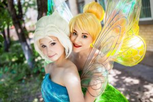 Tinker Bell and Periwinkle by Tink-Ichigo