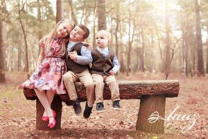 children on the bench by lauzphotography