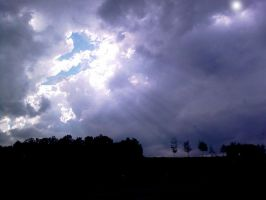 sun shines through the clouds by BSOD90