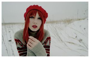 red and snow by Punkuloli