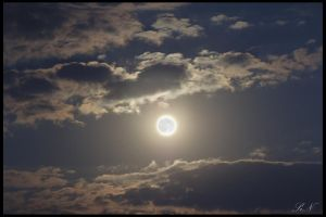 Cloudy Fullmoon by anestakos