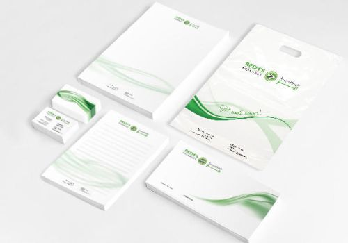 Reem's Pharmacy: corporate identity by farandoledesign