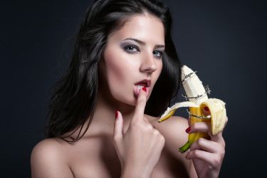Forbidden Fruit by idaniphotography