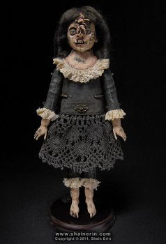 Shelbe  Exquisite Monster Art Doll by shainerin