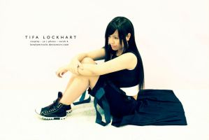Waiting - Tifa Lockhart by lonelymiracle