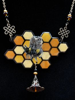 Honey Bee Necklace by Flos-Abysmi