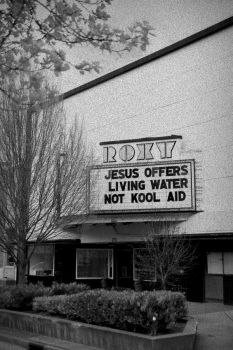 Jesus Offers by amixer