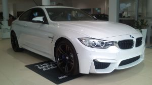 Showroom BMW M4 by TricoloreOne77