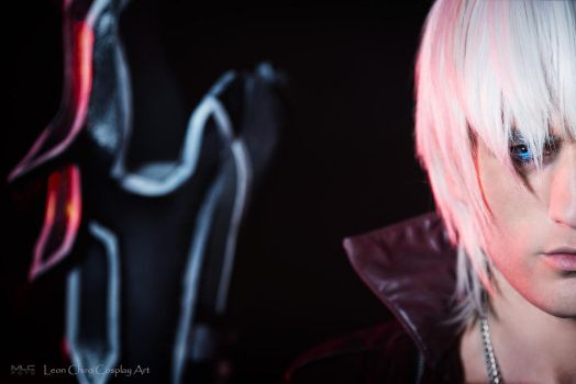 Dante Devil May Cry 3 Cosplay by Leon Chiro 2015 by LeonChiroCosplayArt