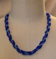Seed bead necklace in blue by nellielaan