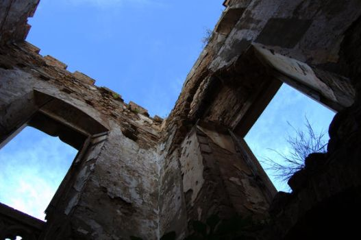 Castillo Colonia Guell by beneaththevalley