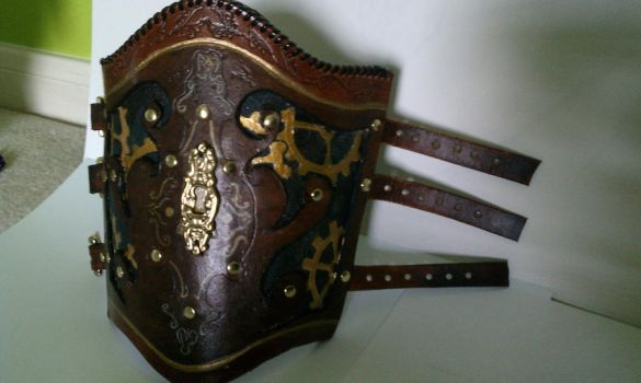 Steampunk Vambrace Keyhole by celestial-rogues