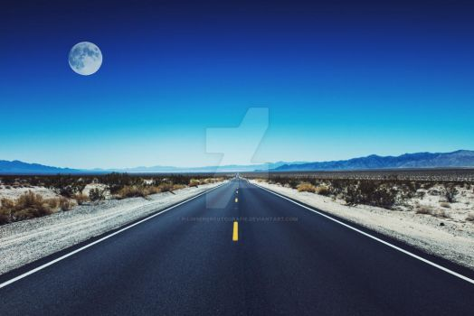 Highway Moon by P-LinsenerFotografie