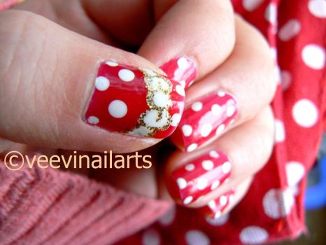 Red polka dot by VeeviS2