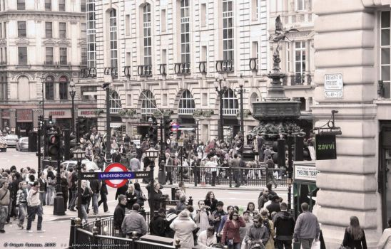 Piccadilly Circus, Underground by aerotem