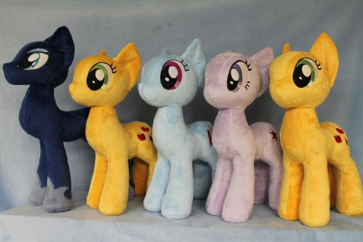 Look Who is Back Sewing by WhiteDove-Creations