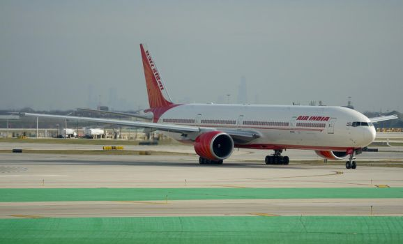 Air India Boeing 777 by shelbs2