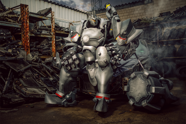 Payload - Reinhardt cosplay (Overwatch) by LibsCosplay