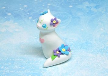White Forget-me-not Kitty by Ailinn-Lein