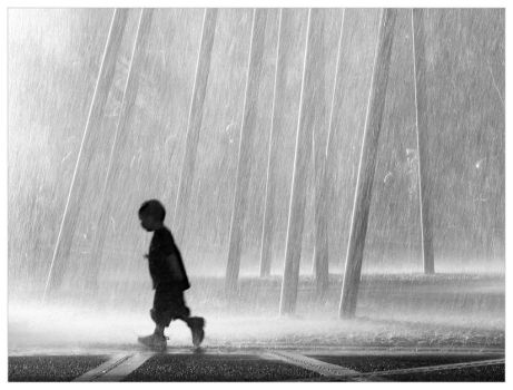Boy and fountain by xobeohs