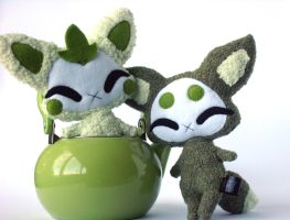 Meadow Fwox and Swamp Fwox by Pwyllo