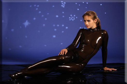 Beauty in Latex by catsuitmodel