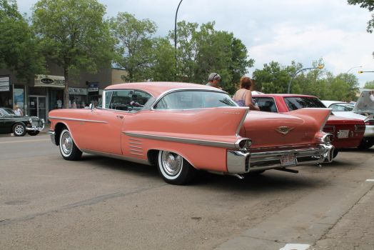 Tail fins by QuanticChaos1000