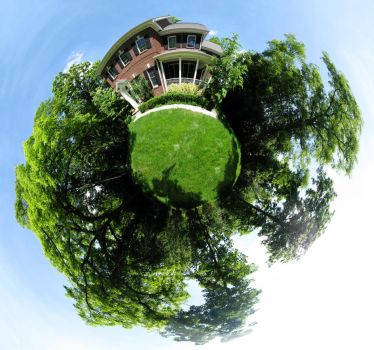 Mini Planet - House by electricjonny