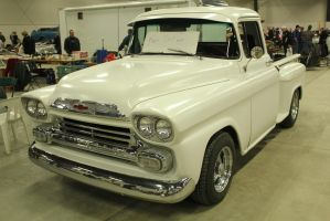 White Stepside by KyleAndTheClassics